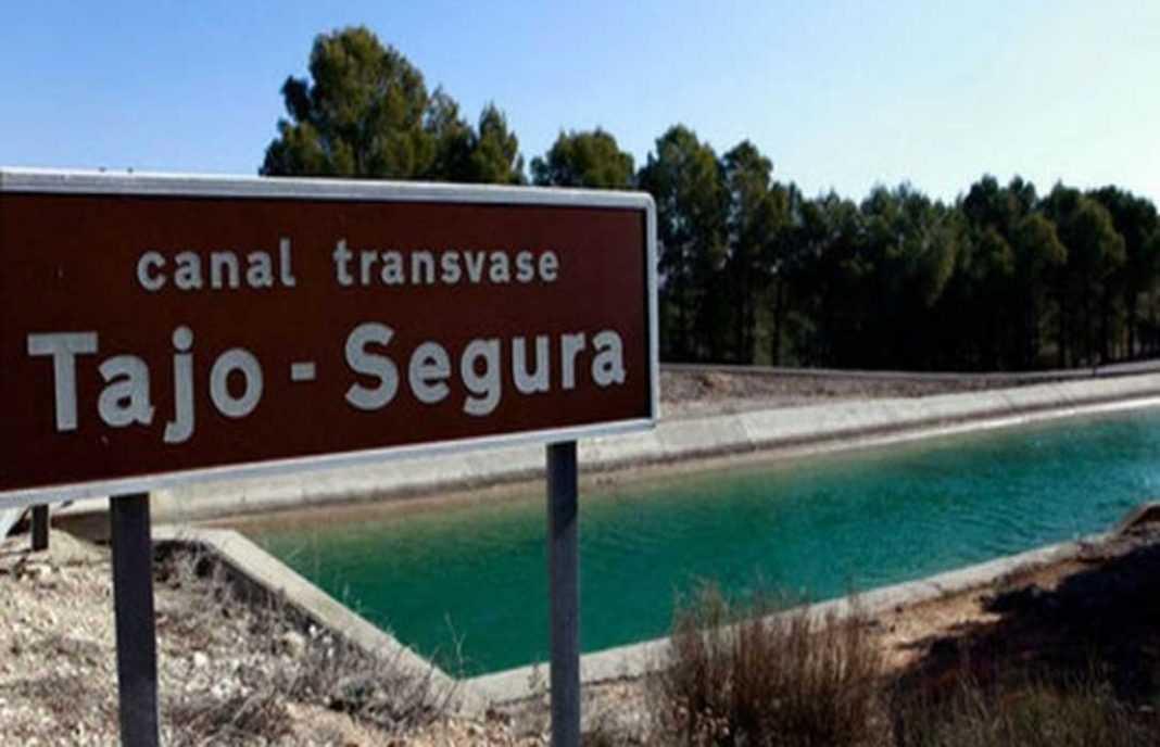 Lucas Jiménez: «Falta mucha didáctica con el agua; los trasvases no son criaturas cuaternarias»